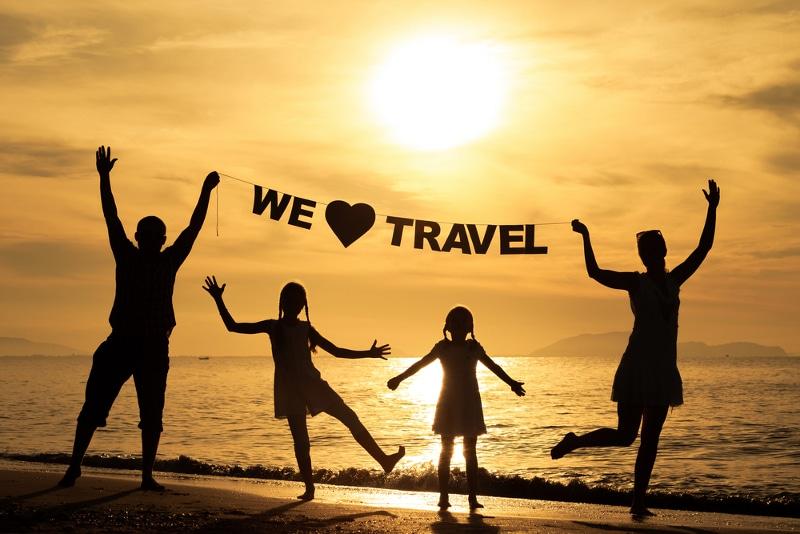 Viajando en familia: 5 consejos para entretener a tus niños